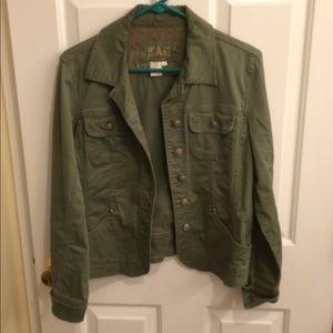 Jacket 🧥 light-weight.